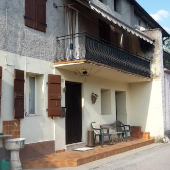 Vendo casa indipendente immersa fra le colline patrimonio dell'Unesco