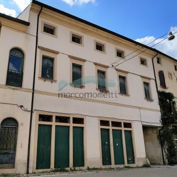 Vendita Stabile / Palazzo - 7 Locali - Rif. MA 410
