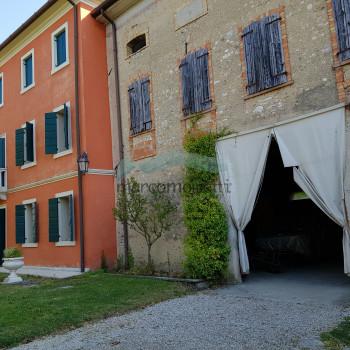 Vendita Casale / Rustico / Casa Colonica/ Cascina - 5 Locali - Rif. MA 514