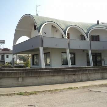 Capannone in vendita a Comacchio (FE)