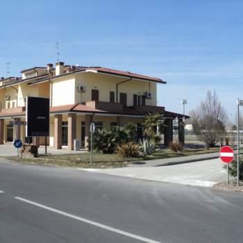Negozio in vendita a Comacchio (FE)