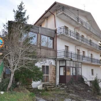 Hotel - albergo in vendita a Castel del Giudice (IS)