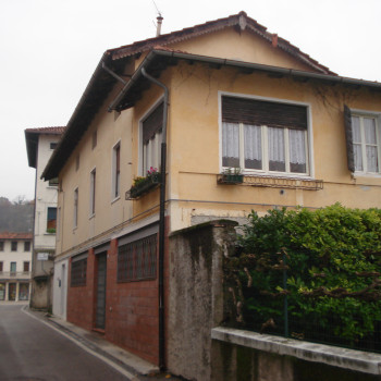 Ufficio-Negozio in zona centrale di Montereale Valcellina (PN)