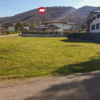 Terreno in vendita a Faedis (UD)