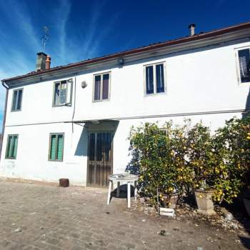 Rustico in vendita a Badia Polesine (Rovigo)