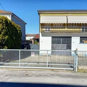 Casa singola in vendita a Badia Polesine (Rovigo)