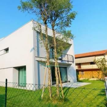 Villa singola moderna a Treviso