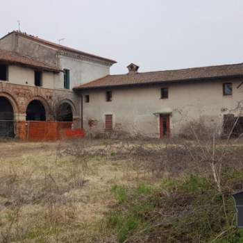 Villa in vendita a Montecchio Precalcino (Vicenza)