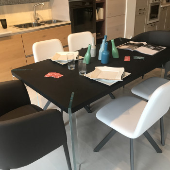 Tavolo da pranzo modello Concrete