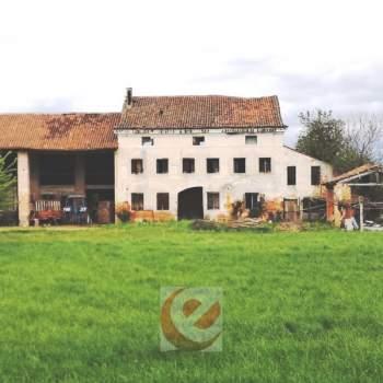 Rustico in vendita a Quinto Vicentino (Vicenza)