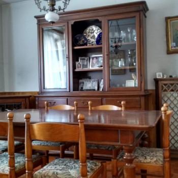 Mobilio sala da pranzo in stile arte povera in buone condizioni