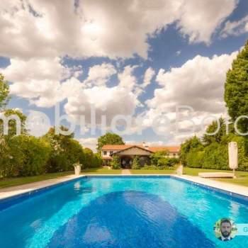 Incantevole Villa con piscina e dépendance. a Trebaseleghe