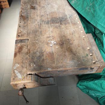 Vecchio banco da falegname