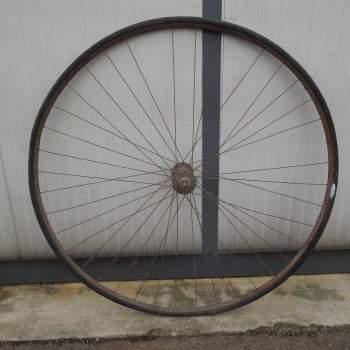 Antica ruota primi prototipi bicicletta