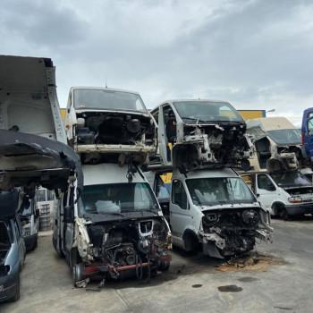 pezzi di ricambio per furgoni di moltissime marche eversioni