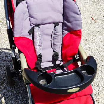 Passeggino e vari accessori per la cura del bambino, vendo e regalo