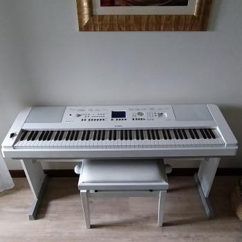 Pianoforte Yamaha  PortableGrand DSG 650