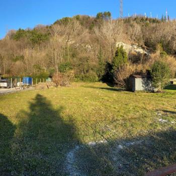 Terreno edificabile in zona residenziale a pochi passi dal centro - V 1392