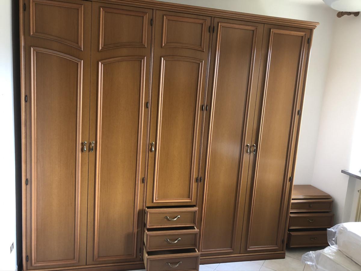 Vendo camera classica seminuova: armadio Como' specchiera ...